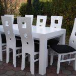 Stół drewniany WOJTEK lakierowany na biało + krzesła drewniane KWADRAT