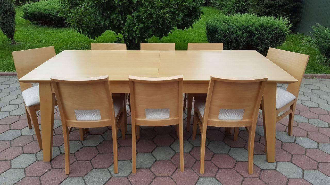 Stół drewniany KIKI + krzesła drewniane ANGLIK